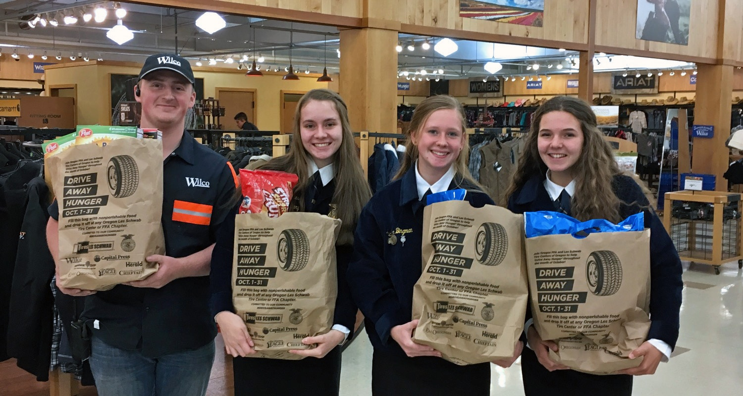 Oregon FFA picks up food donated from McMinnville Wilco