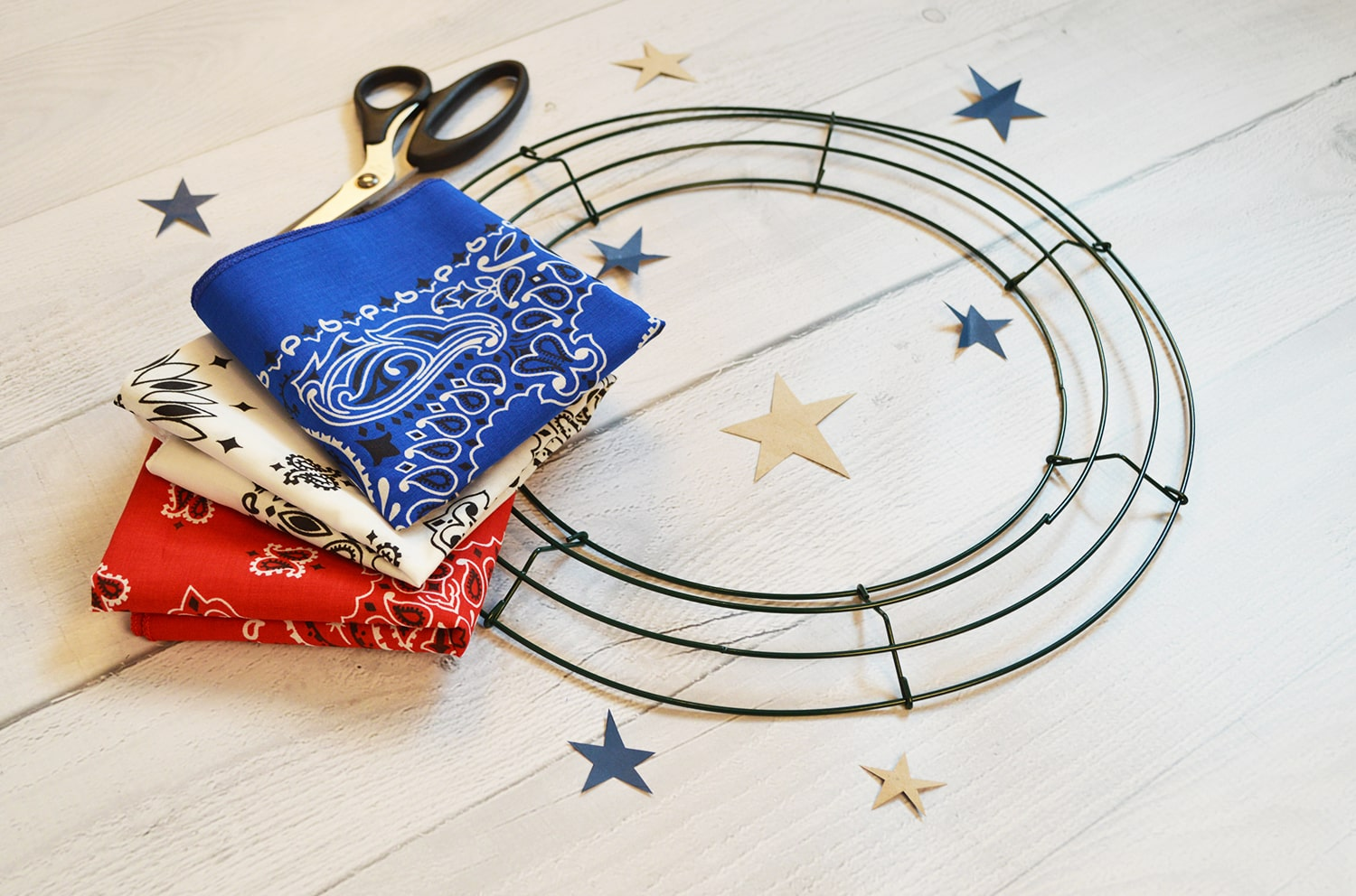 Patriotic Bandana Wreath Craft DIY Tutorial Blog